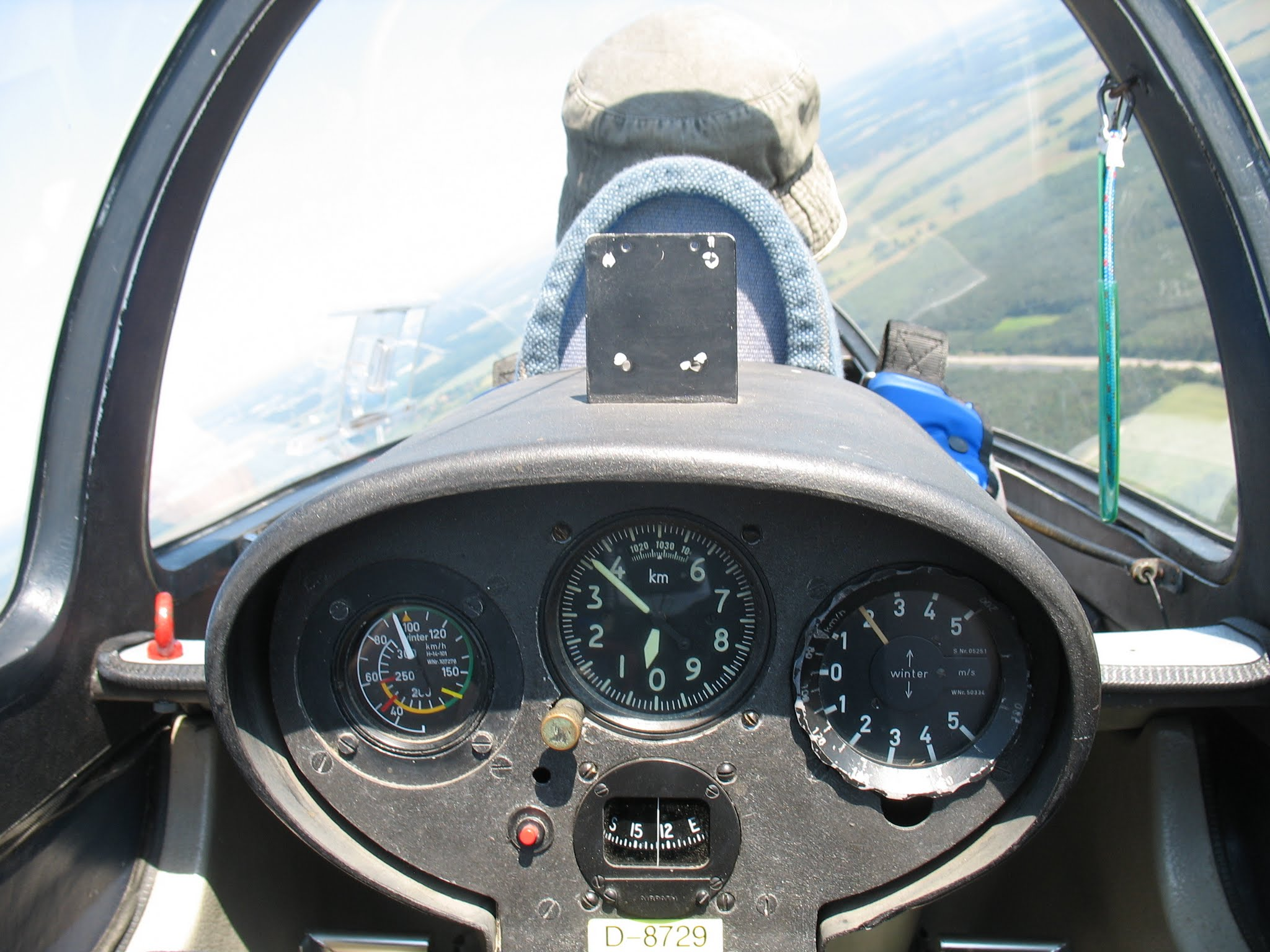 Like pilots, form a team with the stakeholders and fly the project home.