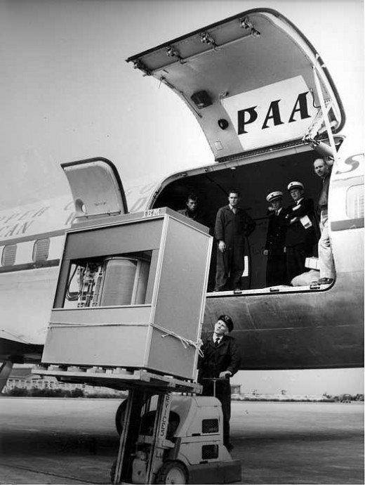 A 5MB hard disk in 1958: airports where always at the forefront of technology :-)
