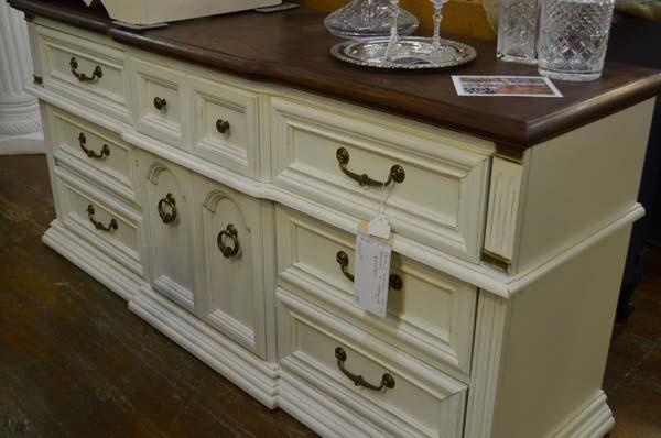 Sept-2016-vintage-antiques-sale-Kansas-city12.jpg