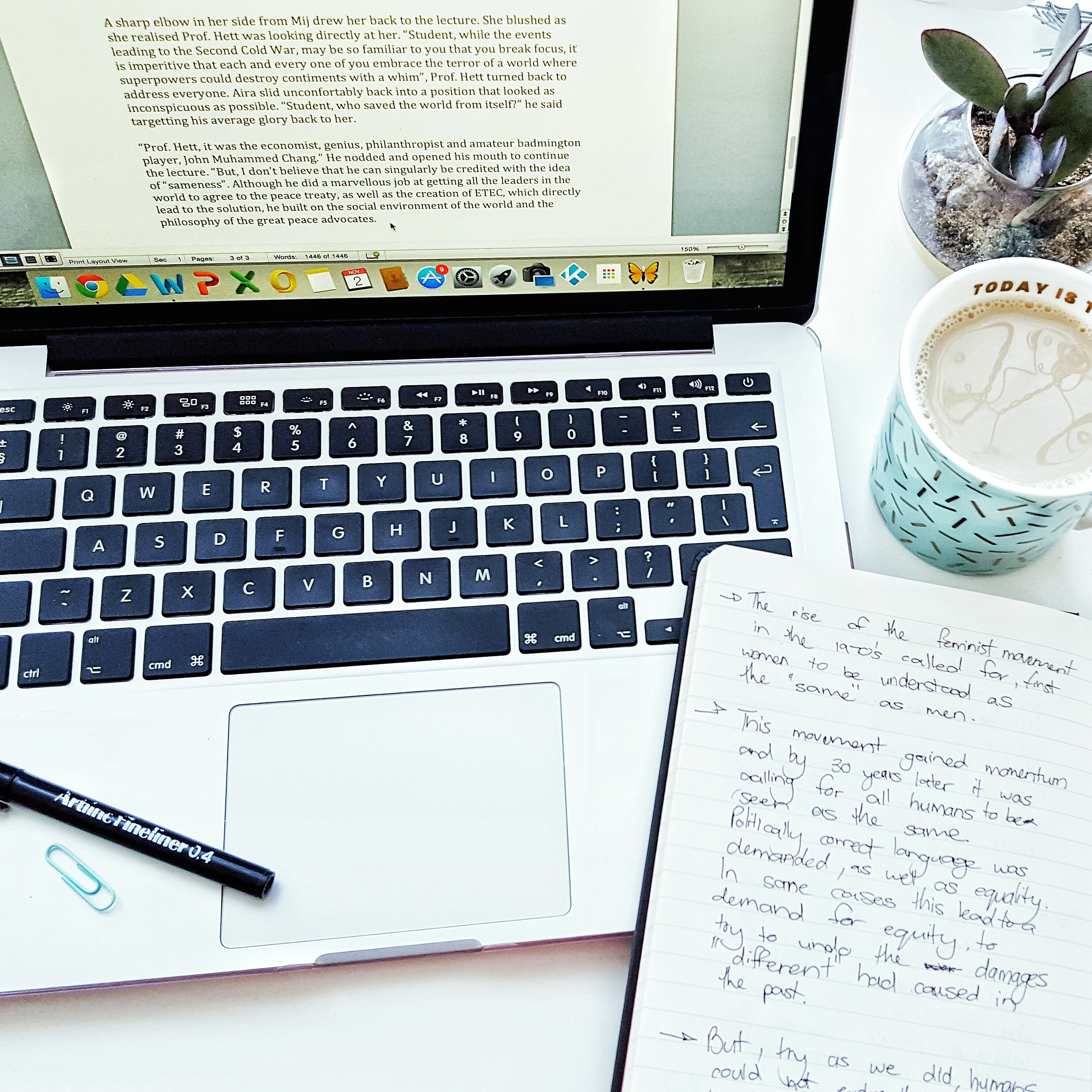 One of the best ways to procrastinate: Arrange your workspace to Instagram it and wait for the positive feedback.