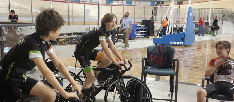 Finlay and Axel, warming up their legs at Track O'Cup #1