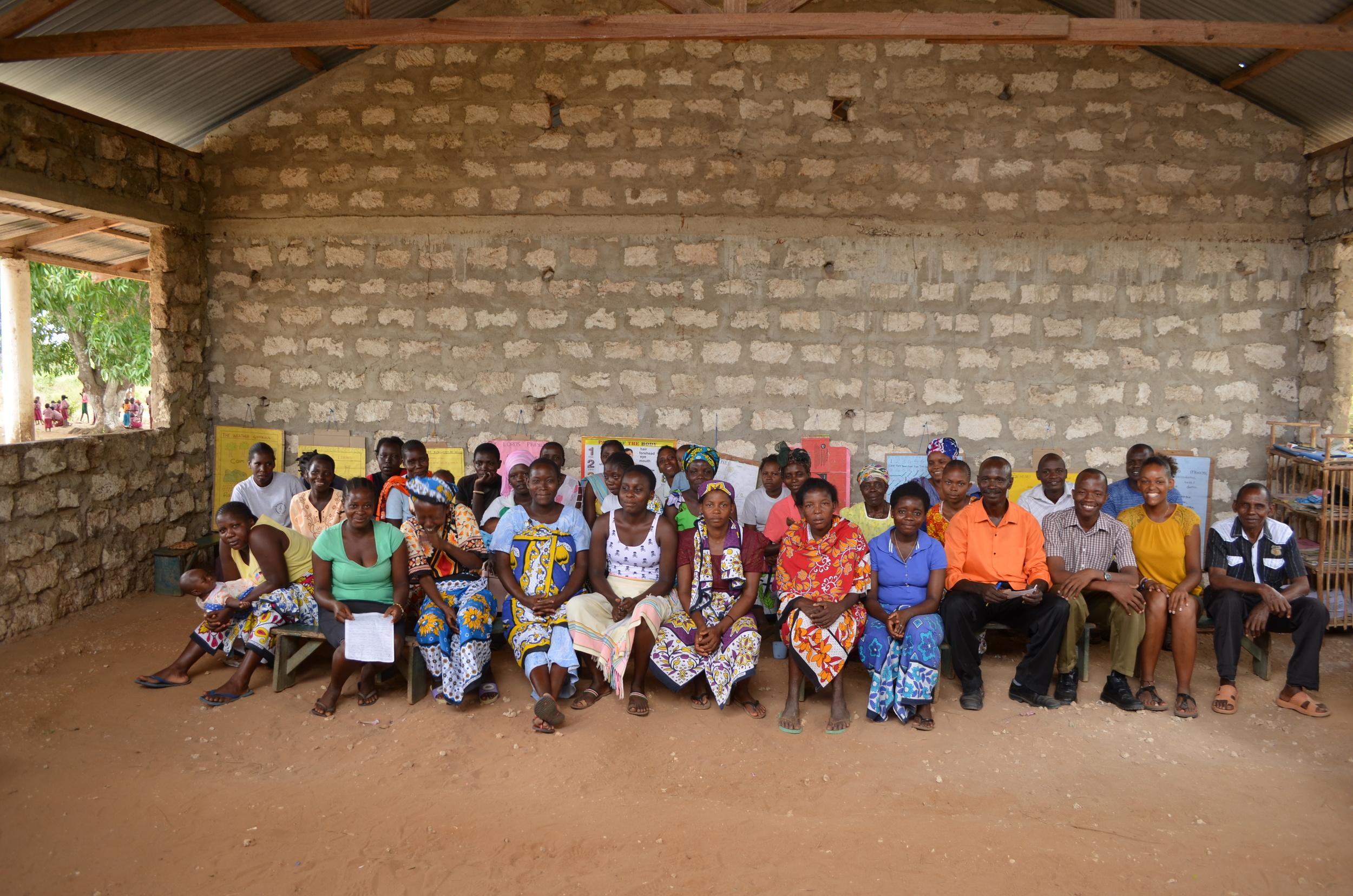 Wir bauen die erste ECO-School in Kenia!   Sehen Sie, wie wir gemeinsam mit der Community die wohl nachhaltigste Schule im Land bauen.   Zu unserem einzigartigen Projekt