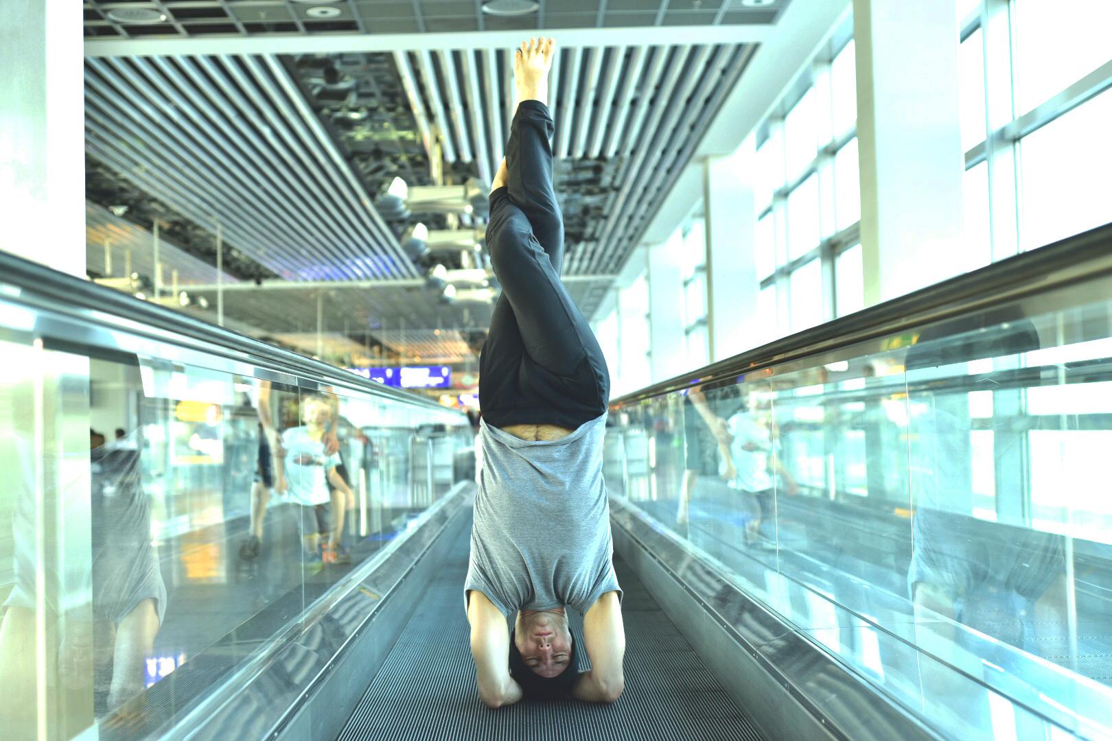 Garth - Head Balance - Eagle 2 - Airport.jpg
