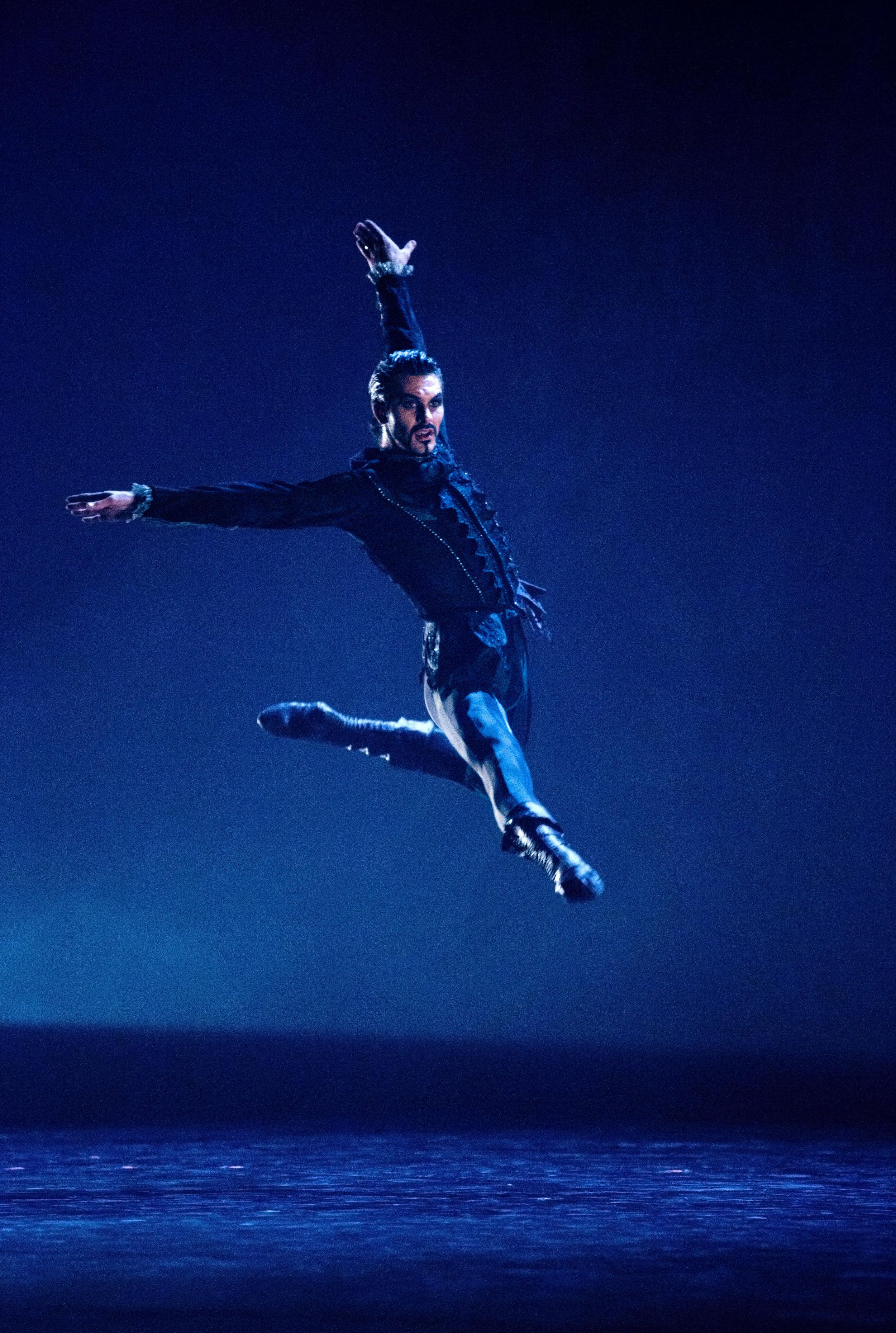 Kelley McKinlay leap