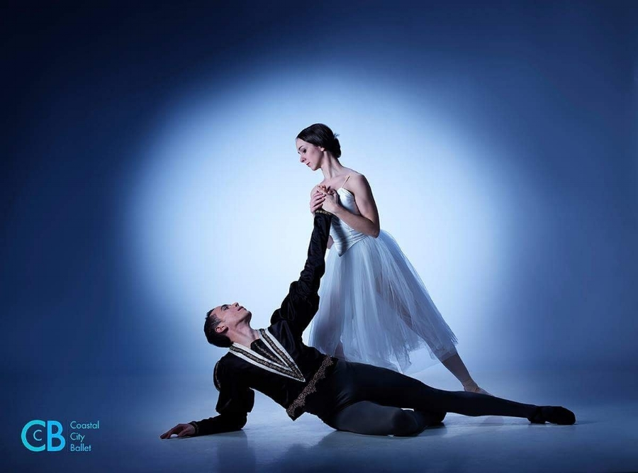 "Diego Ramalho and Ana Paula Oioli in Coastal City Ballet's ""Giselle"". Photo: David Cooper"