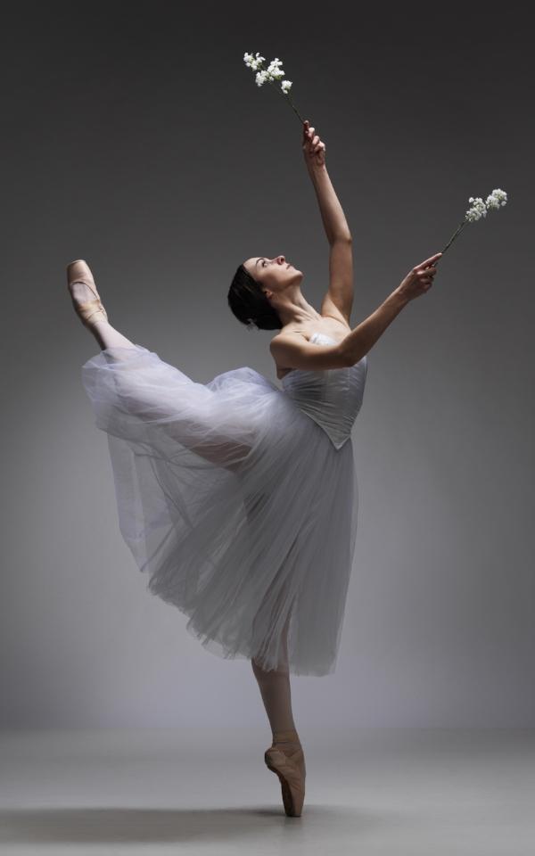 Ana Paula Oioli as Giselle. Photo: David Cooper