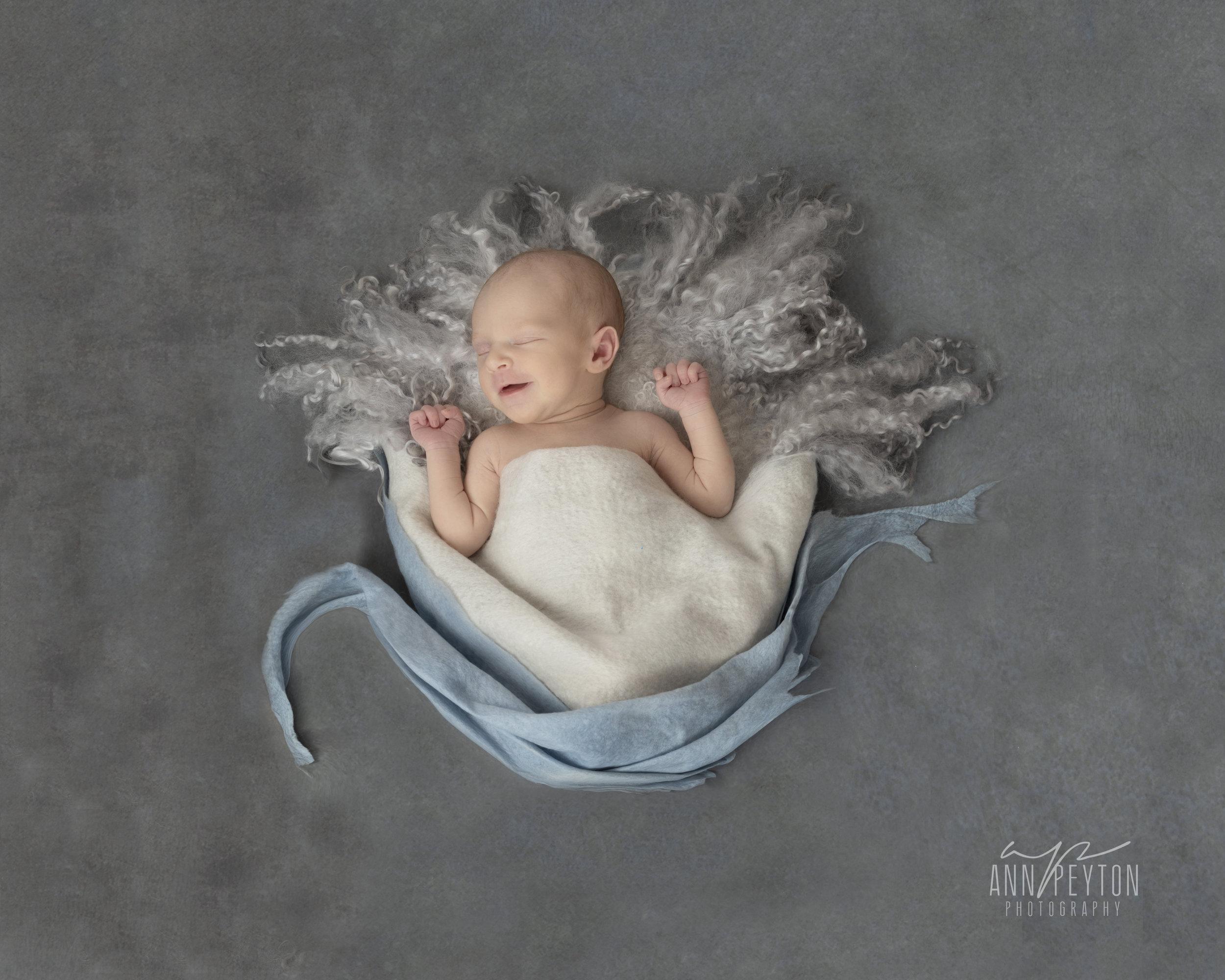 Newborn Hannah Swan