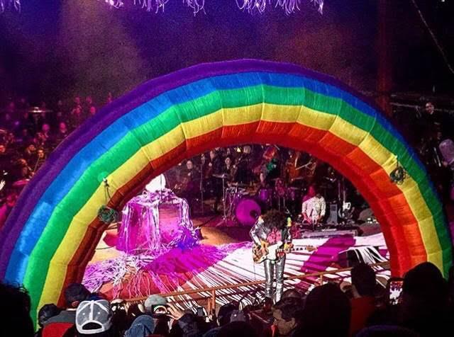 Rainbows and magic. Photo per Danni Lanni.