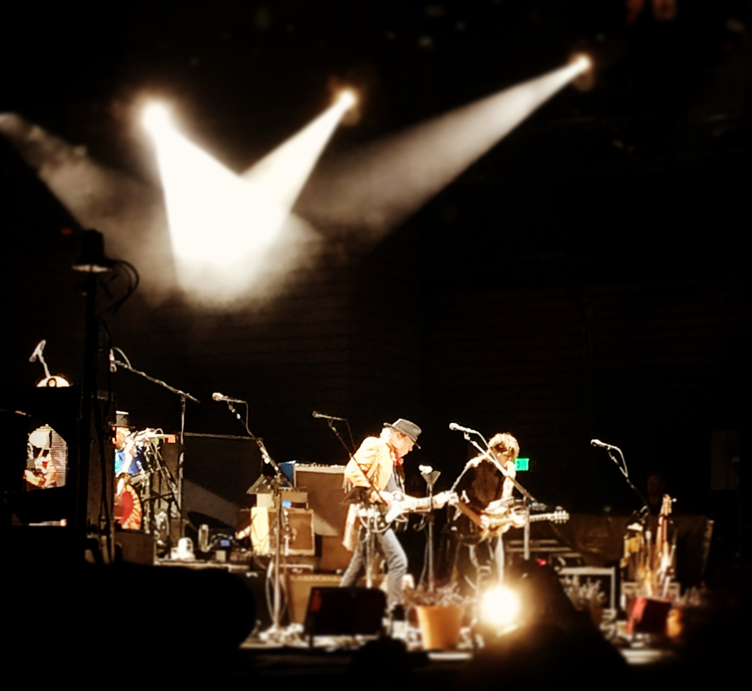 Neil Young & Promise of the Real.