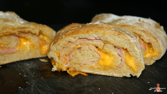 #thereciperedux A Simple Stromboli Recipe. Read now or pin for later. - Health Happens at Home