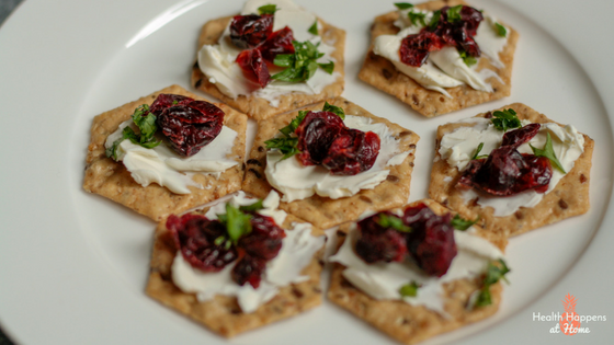 ranberry and Cream Cheese Crackers Recipe. A delicious and quick snack. Read now or pin for later. - Health Happens at Home