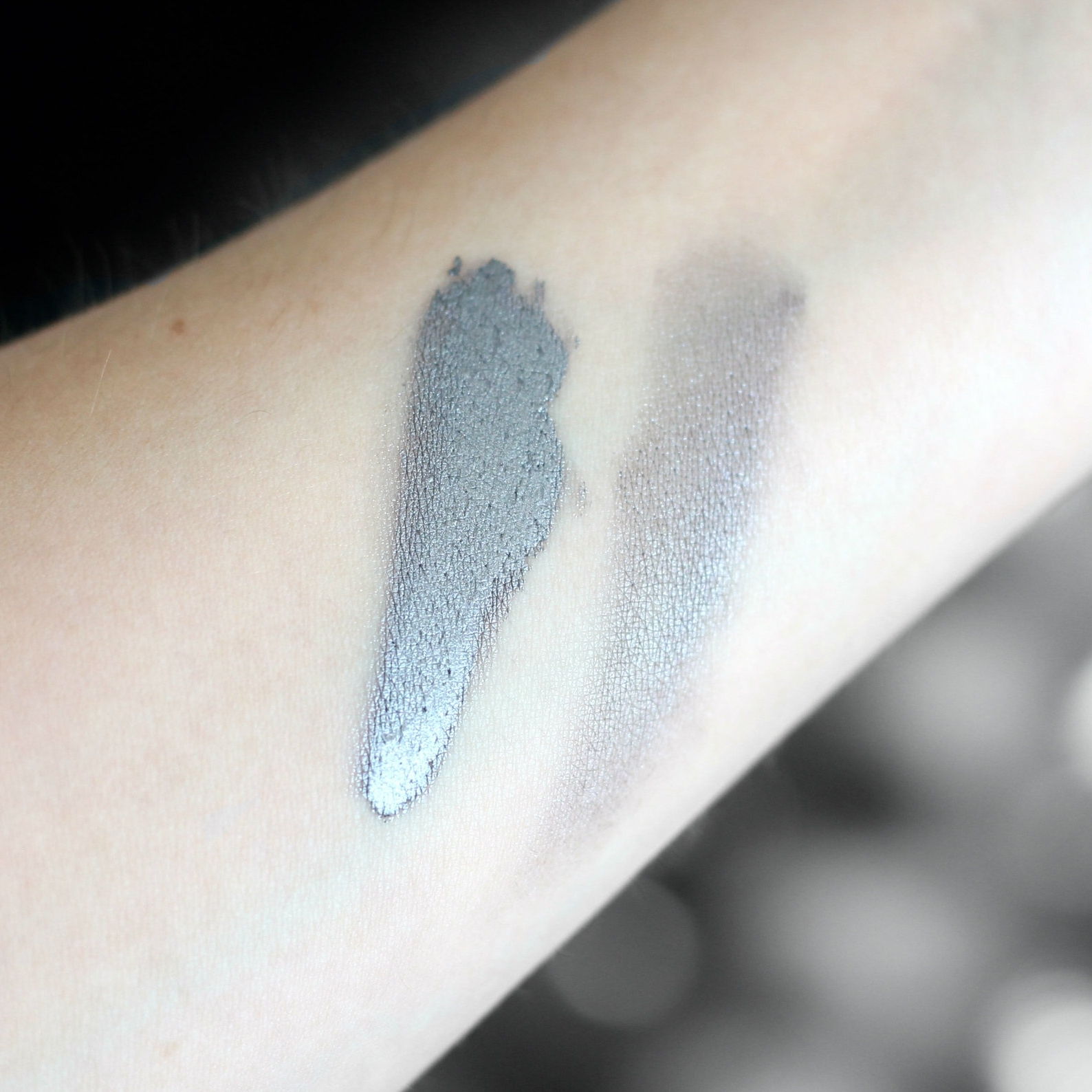 Review and Swatches of the Make Up For Ever Aqua XL Color Paint Shadow in I-12 (Iridescent Steel Grey) on Bratty B