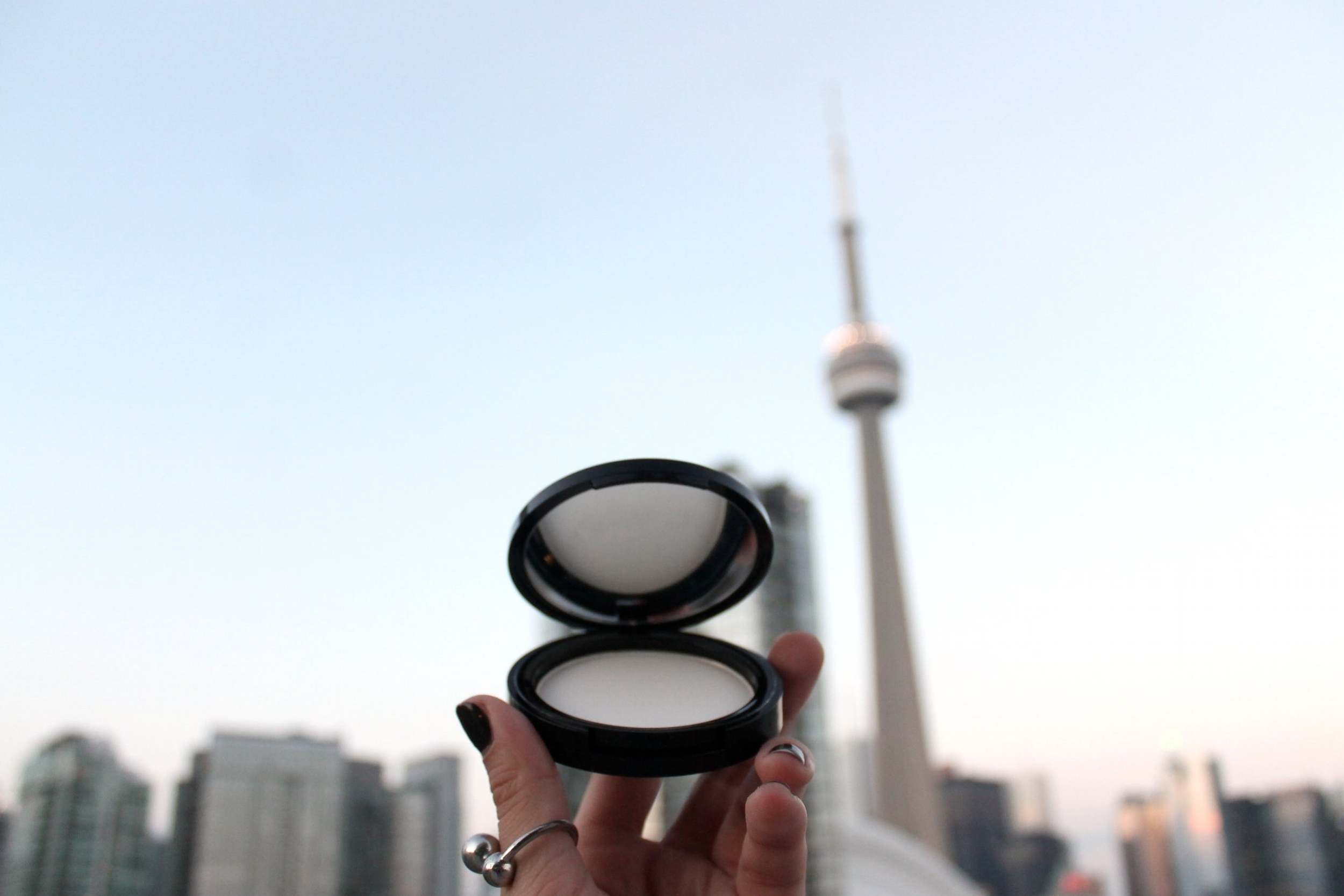 Living in Toronto, I'm always #Set2Go with my Dermablend Compact Setting Powder