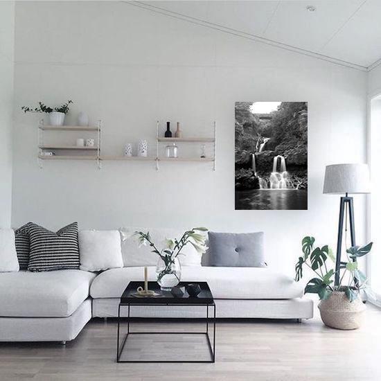 a64fde66f97319dd8a4740bfbfc6b6a4--minimalist-home-living-room-minimal-home-simple-living.jpg