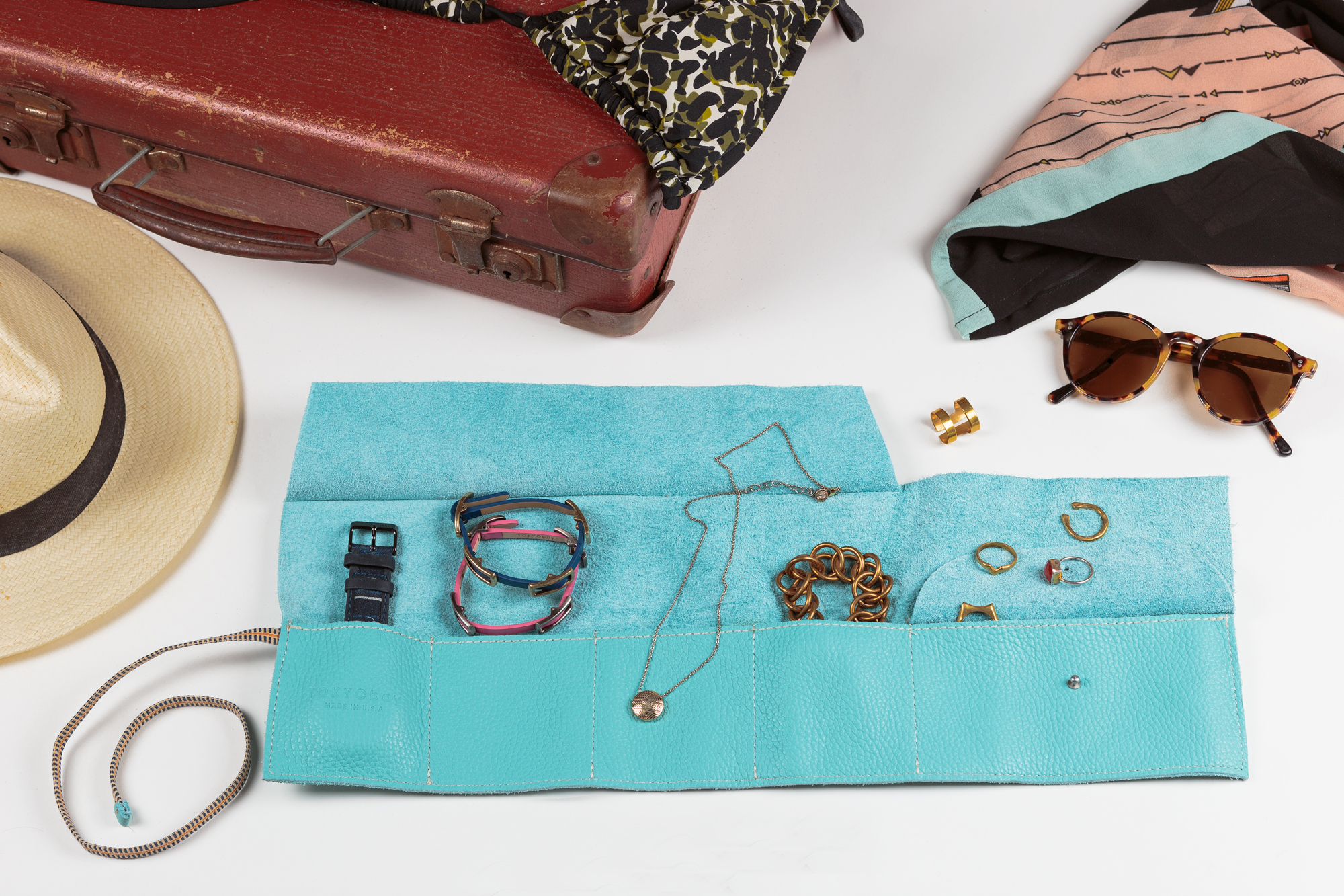 Jewelry-Roll-with-Objects-Still-Life3_Full-Size-web.jpg