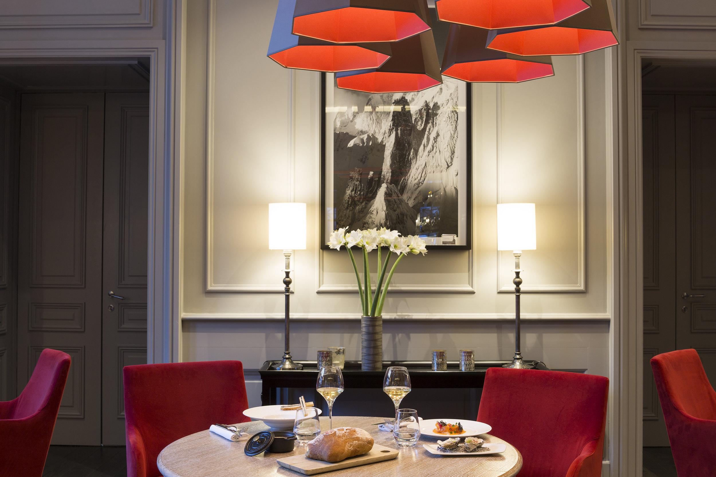 HotelMontBlanc-Restaurant-9.jpg