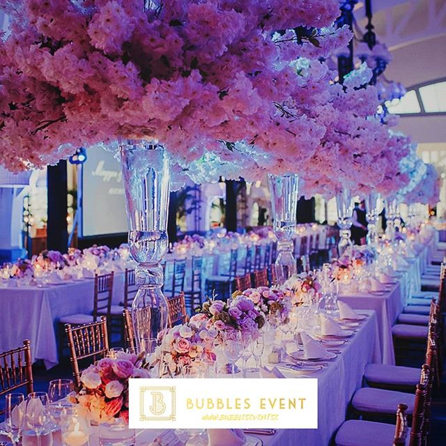 Genom en övertygelse om att våra gäster förtjänar mer och ännu bättre arbetar vi för att skapa event över förväntan! Kontakta oss nu, link i bion. #bubblesevent #bubblesandbrunch #eventmanagement #highlife #feelfree #eventplanering #eventplaner