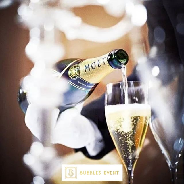 It's time for another weekend. How ready are you? Try some bubbles and enjoy your weekend! ❤️ #bubblesevent #eventplaner #management #personalfest