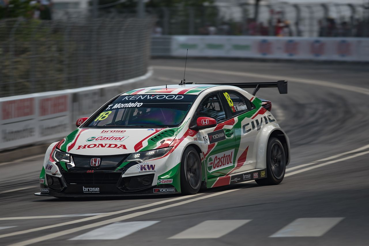 Tiago Monteiro making the pole position in Vila Real Street Circuit 2016, race that he won.