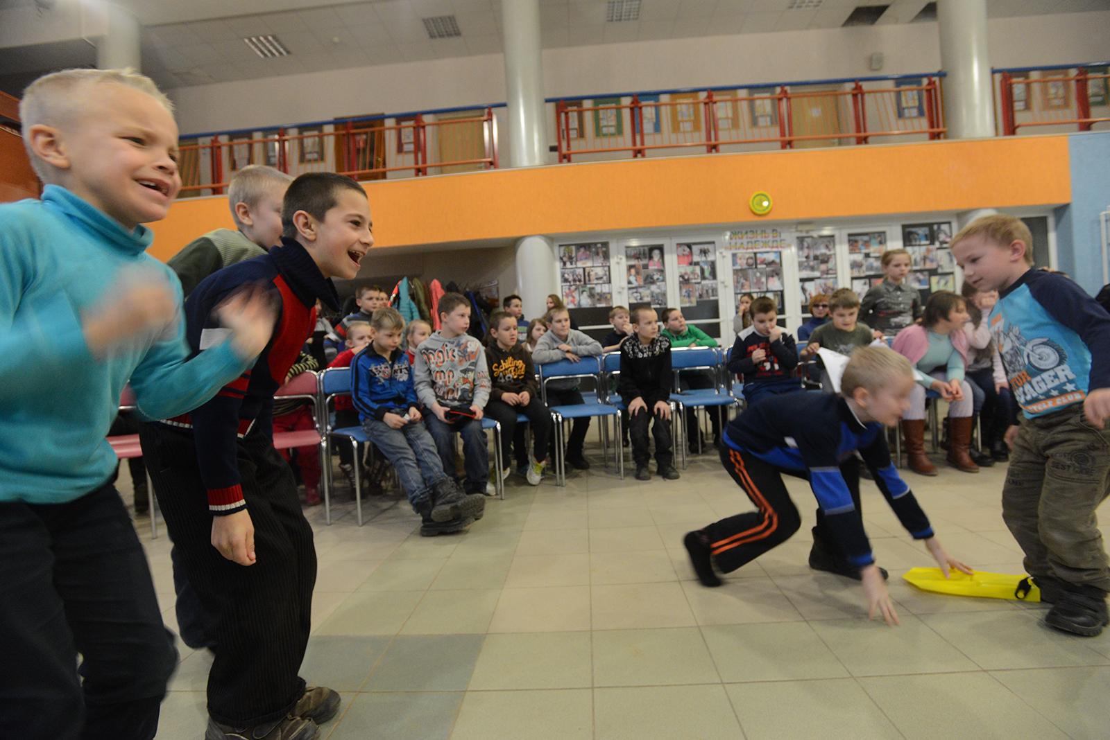 文化センターでは様々なゲームがこどもために開催される。