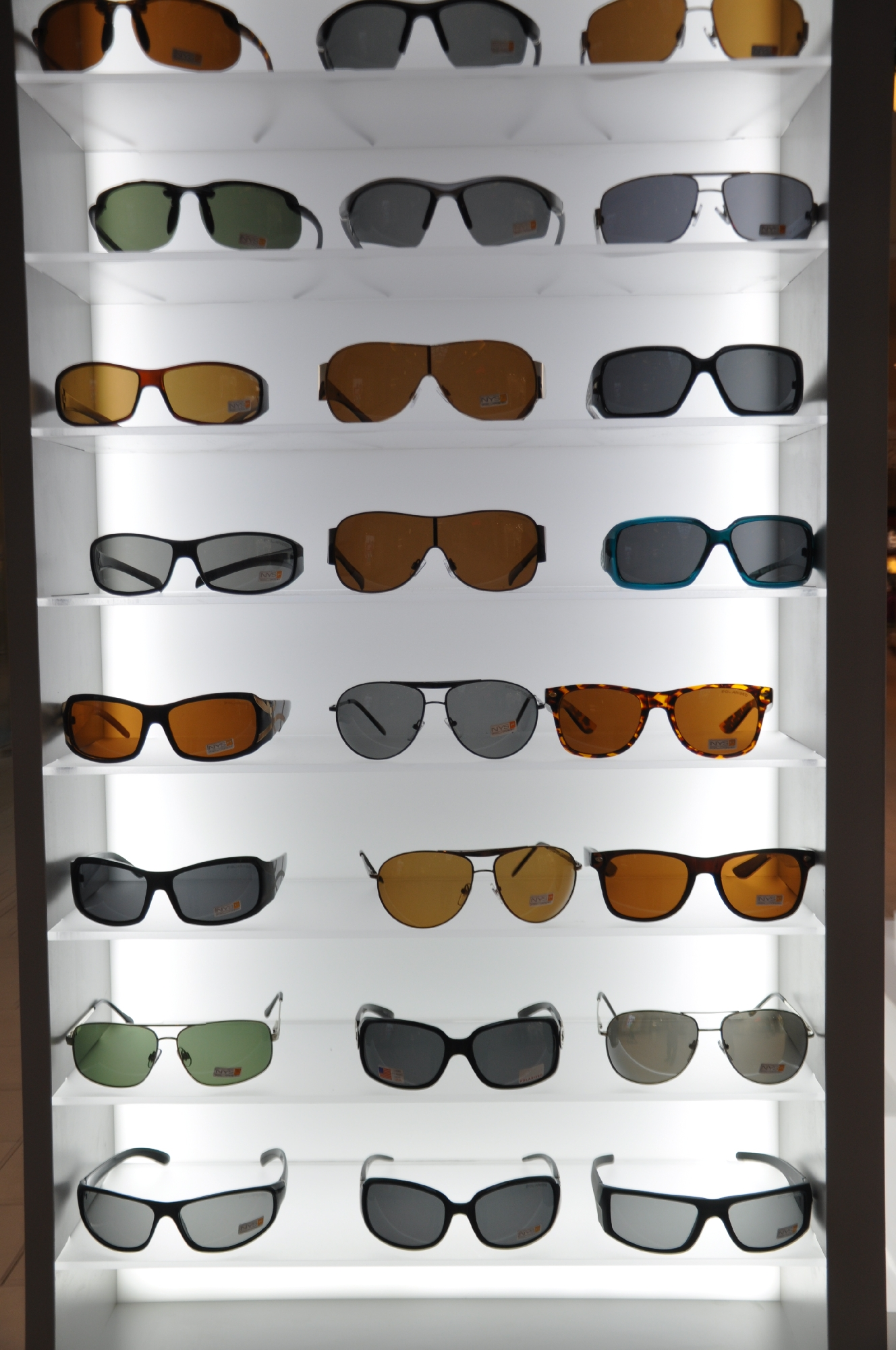NYS KIOSK Freehold Mall 2012 028__10.jpg