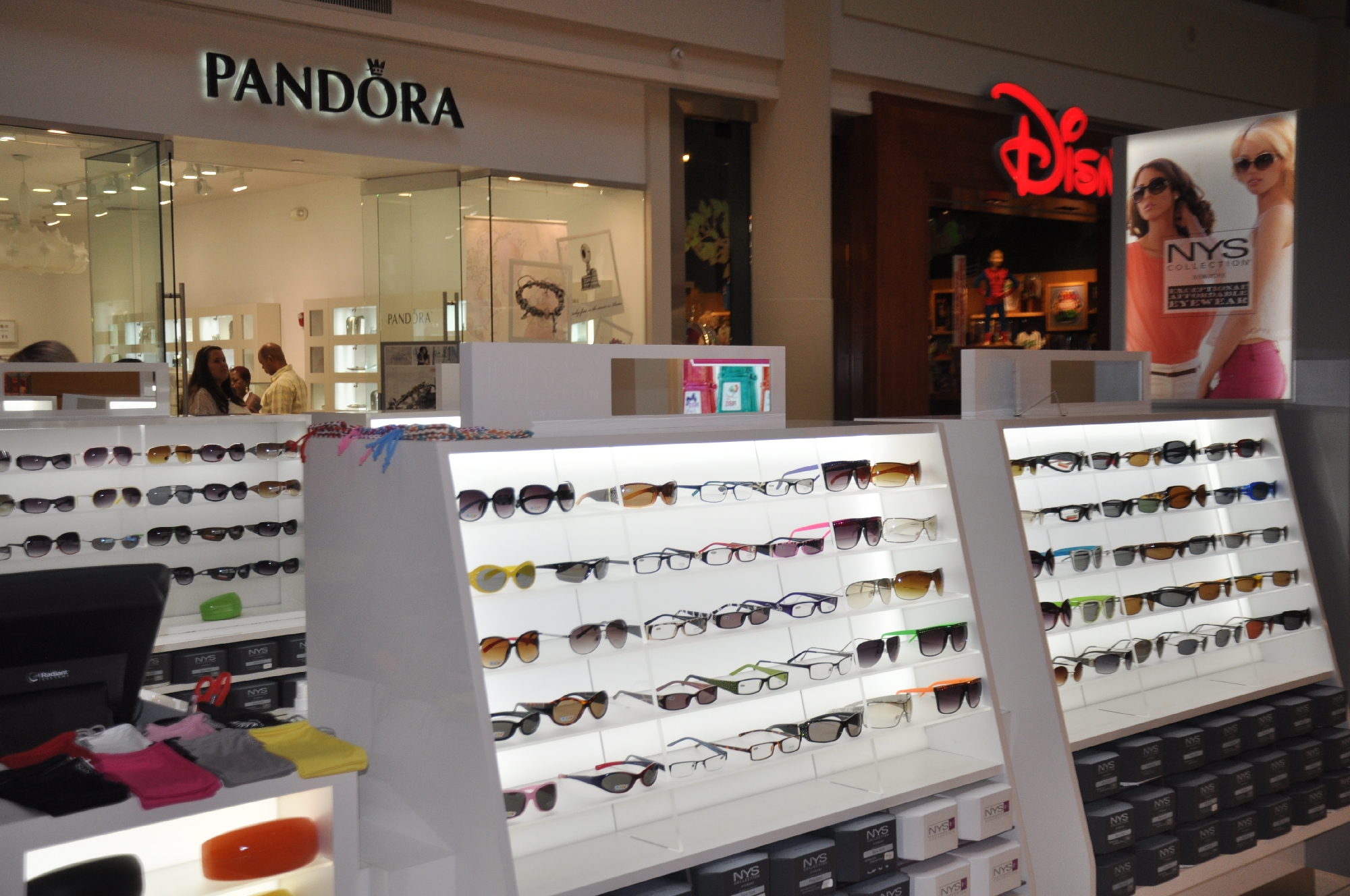 NYS KIOSK Freehold Mall 2012 036__18.jpg