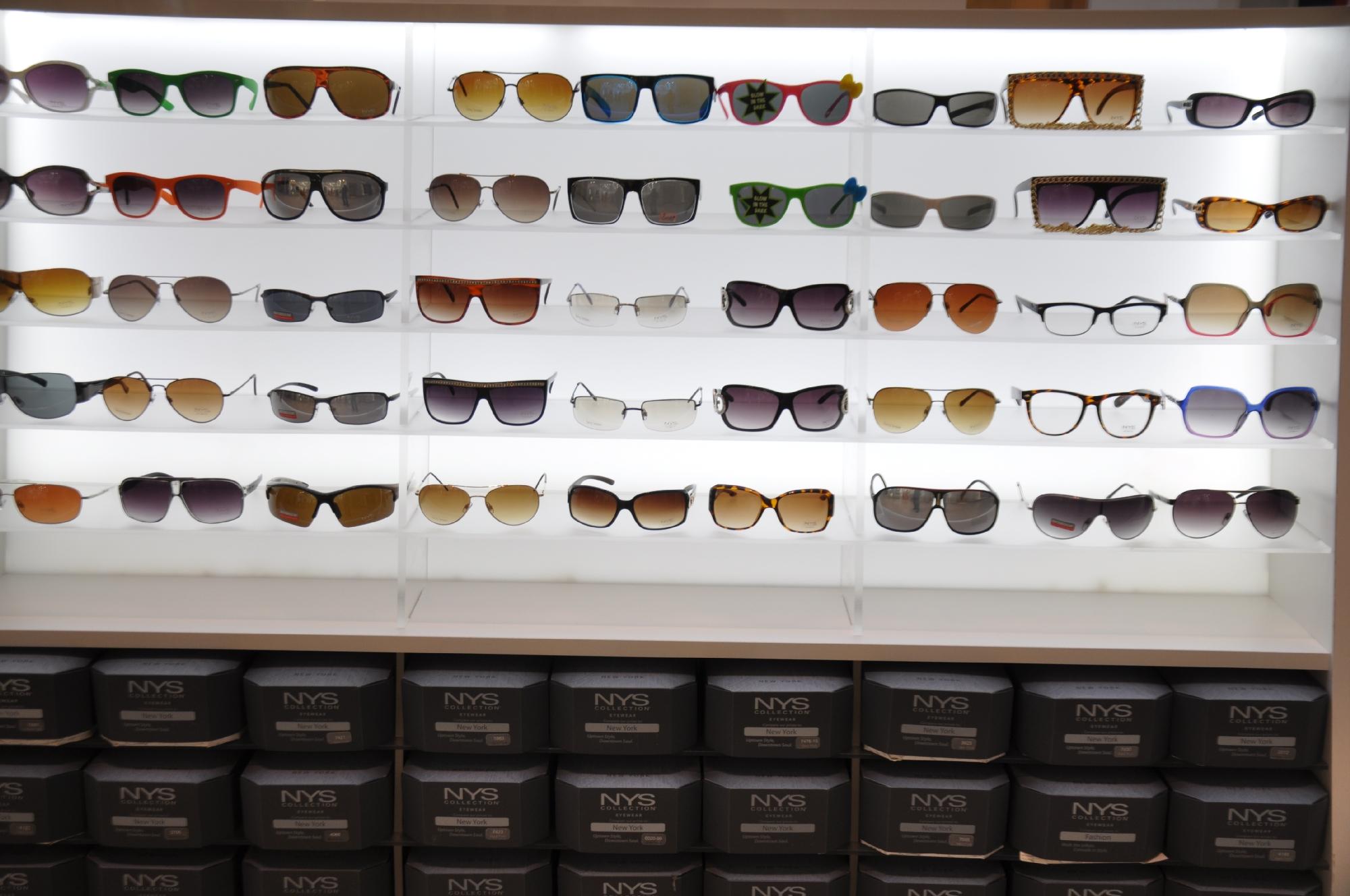 NYS KIOSK Freehold Mall 2012 050__32.jpg