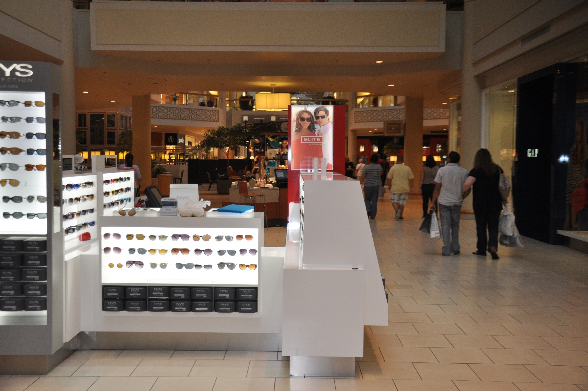 NYS KIOSK Freehold Mall 2012 061__43.jpg