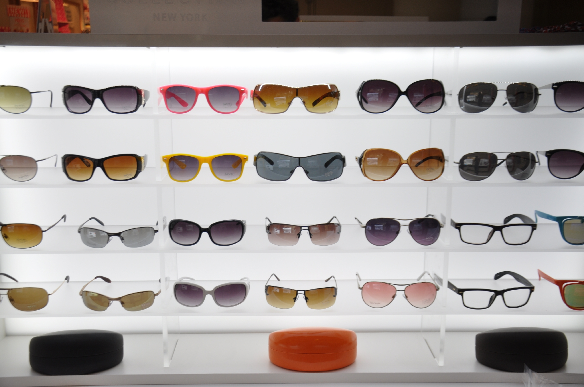 NYS KIOSK Freehold Mall 2012 079__61.jpg