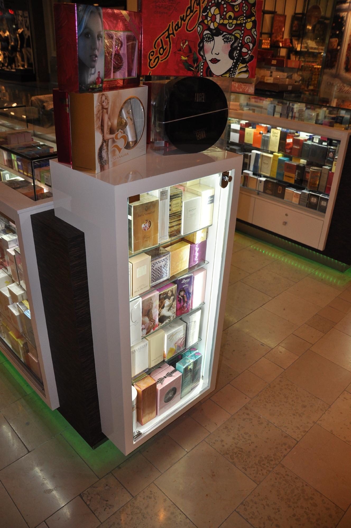 Valentine Perfume Kiosk BWC - Resize _08.jpg