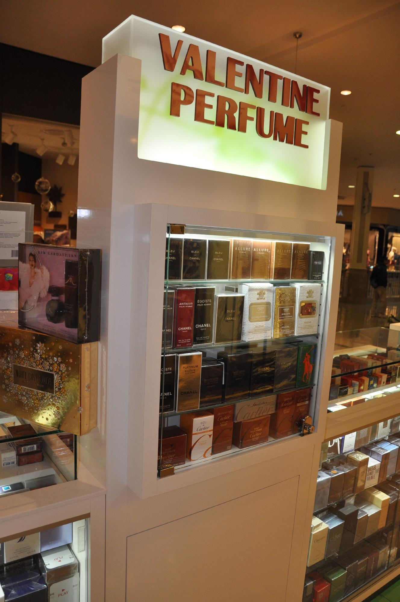 Valentine Perfume Kiosk BWC - Resize _10.jpg