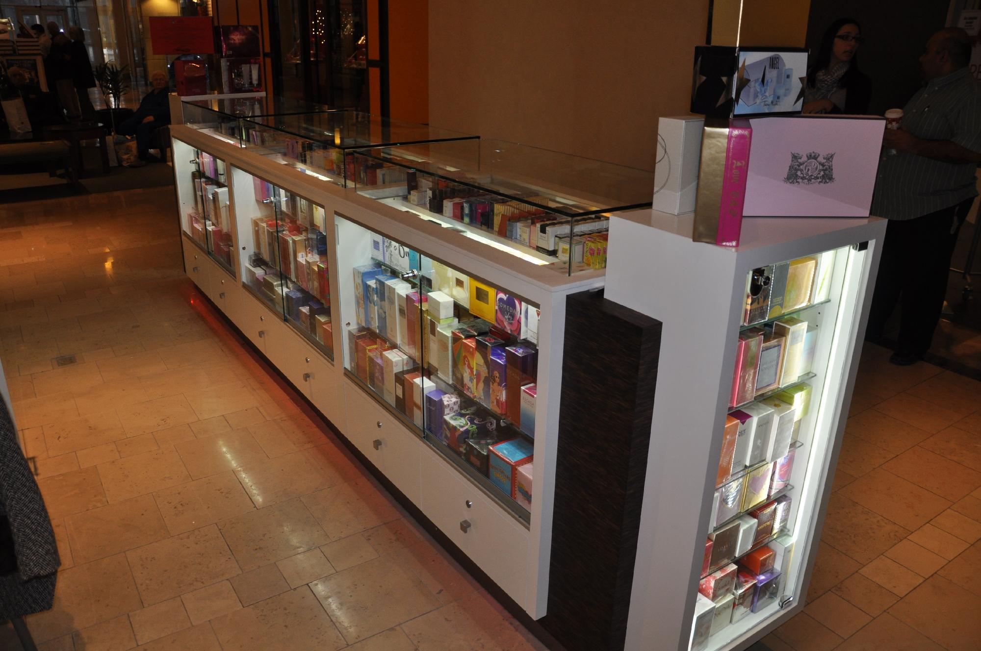 Valentine Perfume Kiosk BWC - Resize _15.jpg