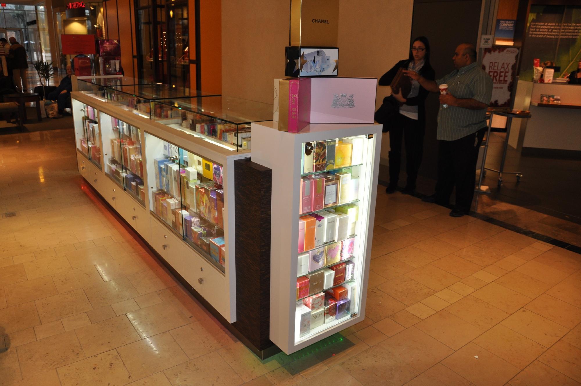 Valentine Perfume Kiosk BWC - Resize _17.jpg