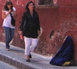 Beggar Woman, Photo by Linda Sonna
