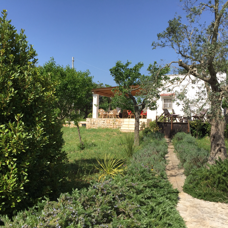 lavendar path to Veranda & Lamia