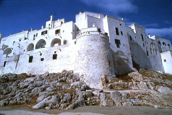 ostuni-view_walls.jpg