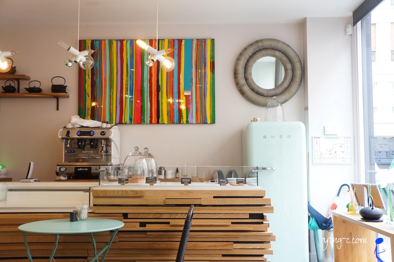揉合復古與現代、有著時髦休閒感的Colorova甜點店。