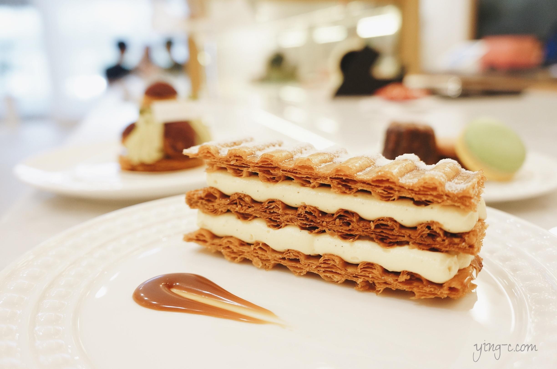 圖6:台北  Escape From Paris 芙芙法式甜點 的千層派,波浪形的美麗派皮是用帕尼尼機加壓烘烤成形。(攝影:Ying Chen)