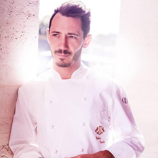 圖9:28 歲即當上  Le Meurice  三星甜點廚房主廚的 Cédric Grolet,近年屢獲大獎肯定、也是目前法國甜點界最出名的主廚之一。(圖片來源: Cédric Grolet 的 Facebook粉絲頁 )