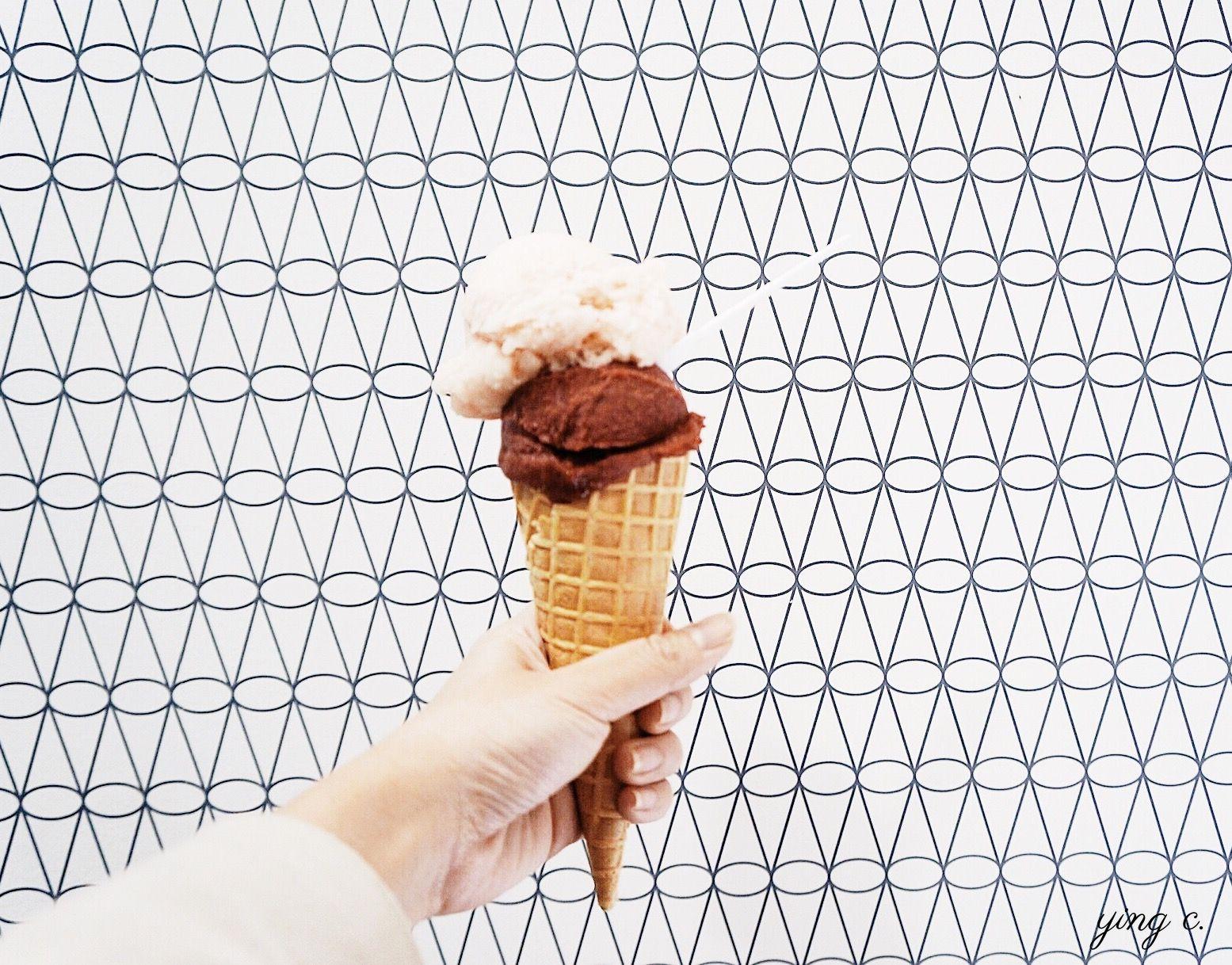 一到夏天,最紅的甜點當然非冰淇淋莫屬。雖然說到冰淇淋,大家立刻就會想到義大利Gelato,不過你知道嗎?法式冰淇淋其實與Gelato系出同源。