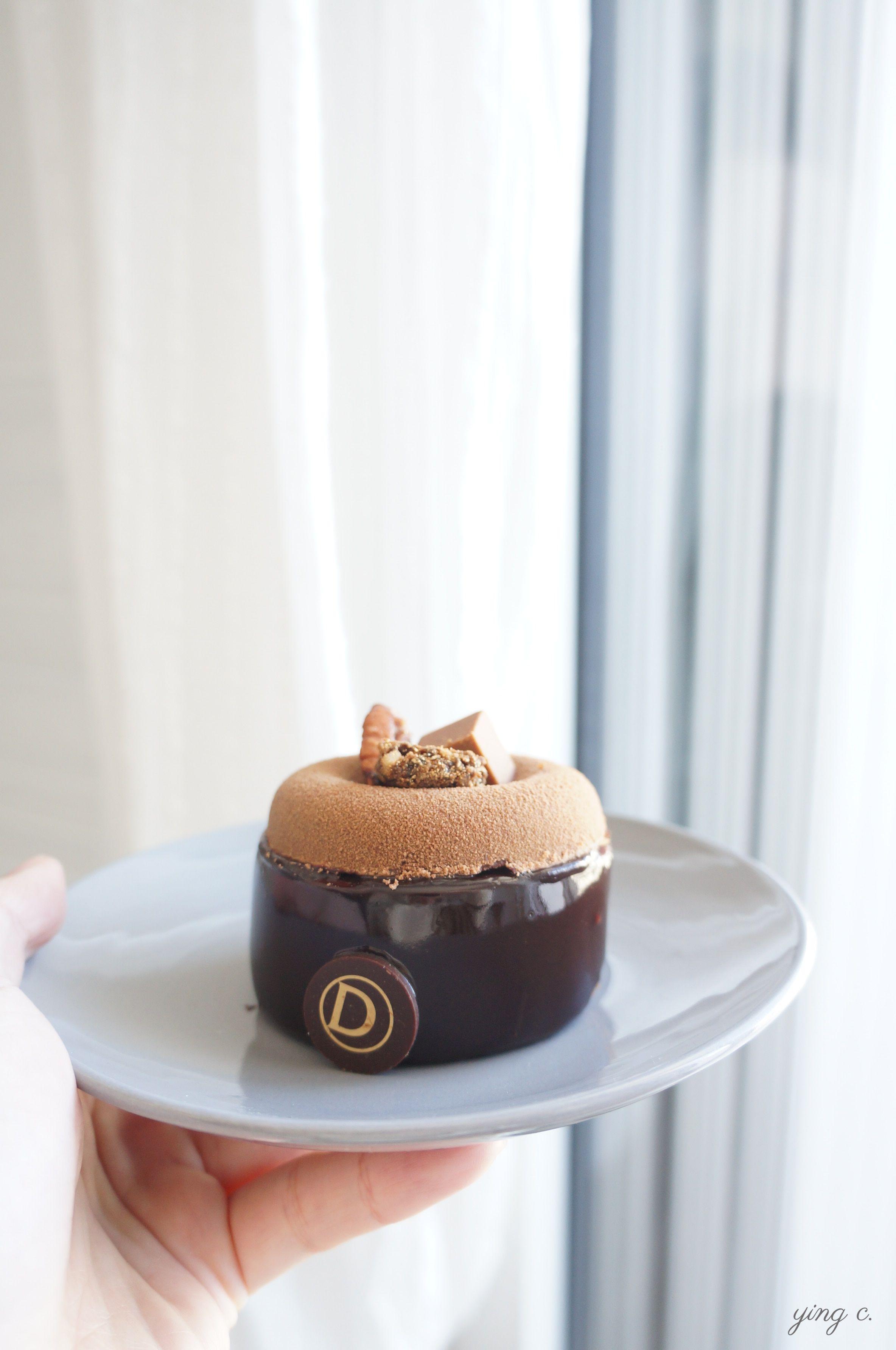 Jérémy的主廚新作品「Euporie」,演繹巧克力與榛果兩大秋冬主題。
