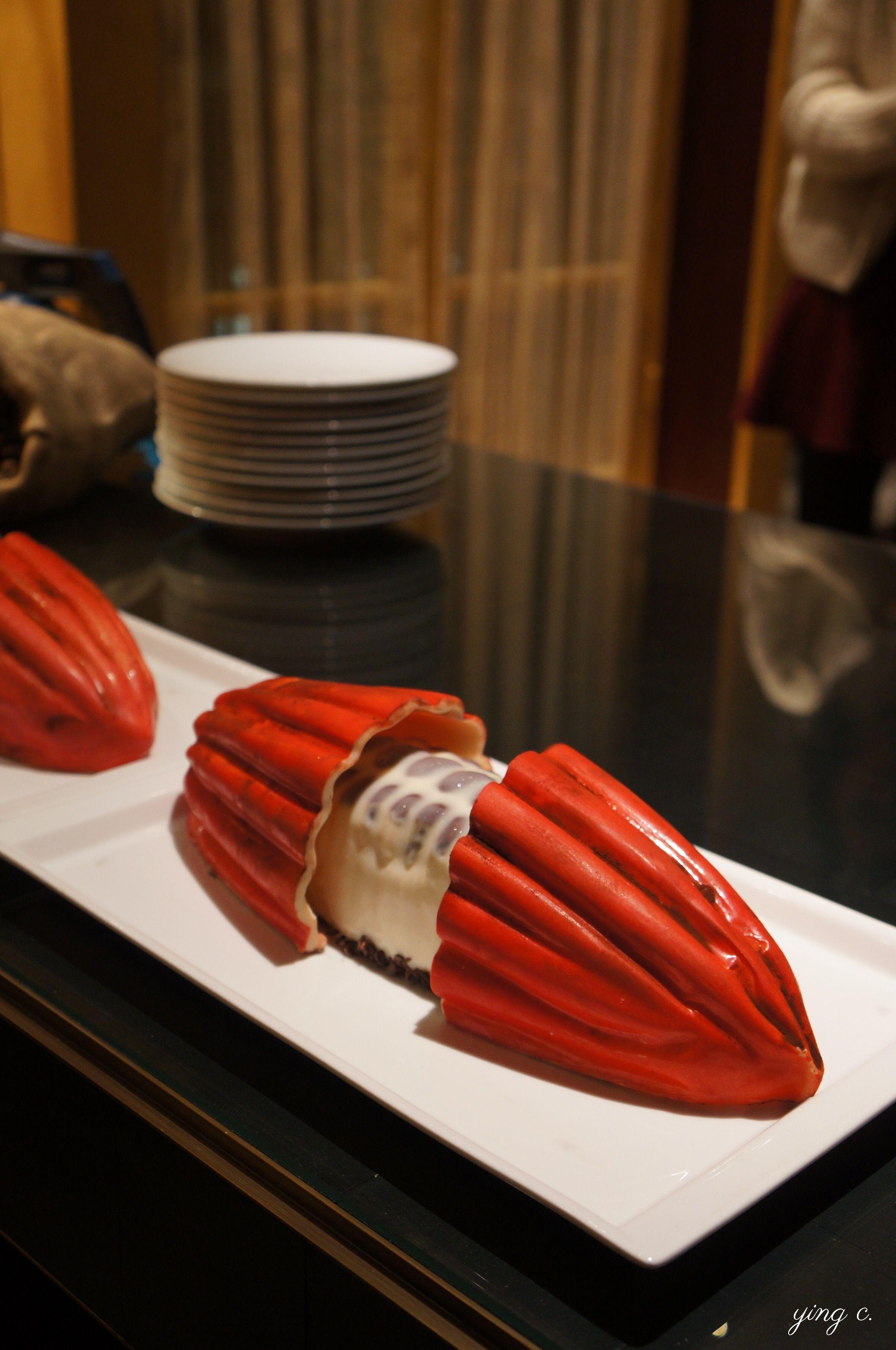 Jimmy Mornet主廚為Park Hyatt Vendôme Paris酒店創作的2018年聖誕節蛋糕「le Cacao」(可可豆)。造型新穎,細節精準。