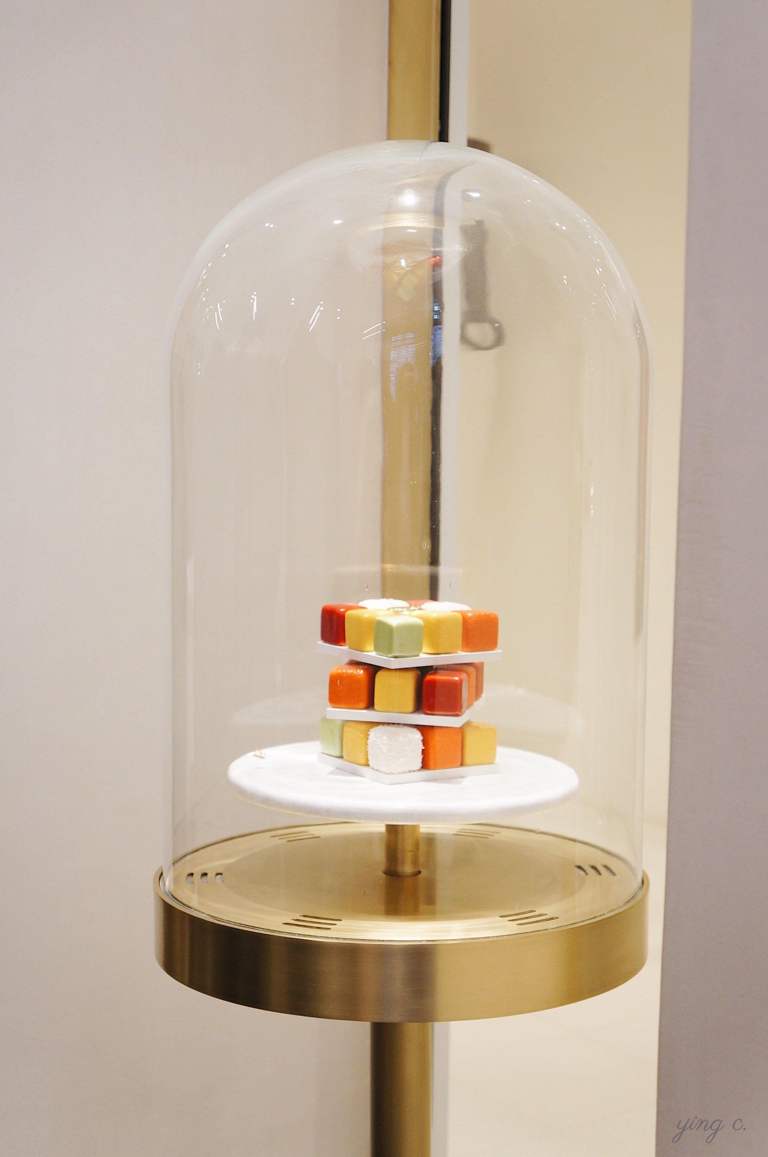 Cédric主廚的招牌作品之一——Rubik's Cube / 魔術方塊。