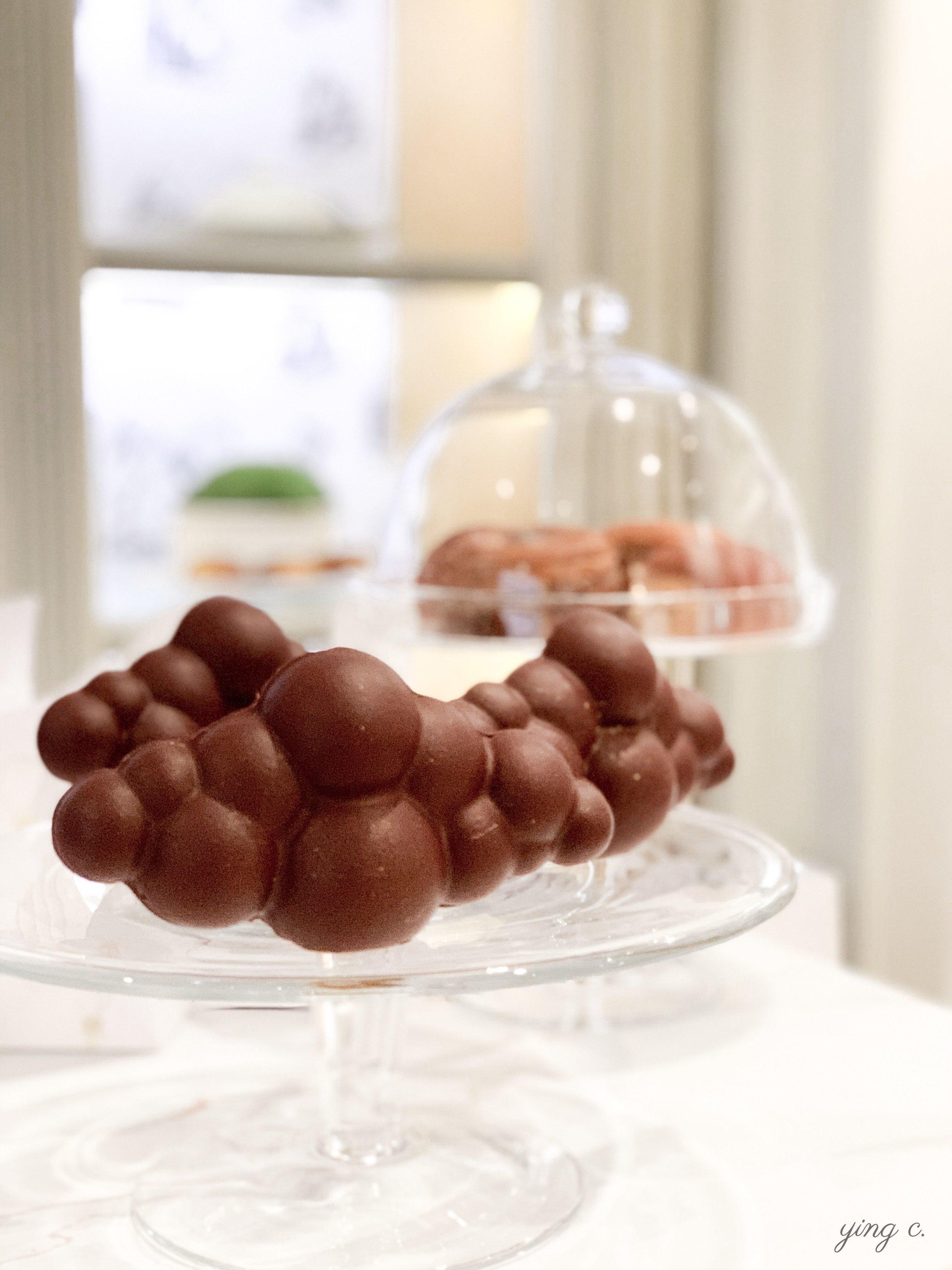 la tablette nuage / 雲型巧克力塊