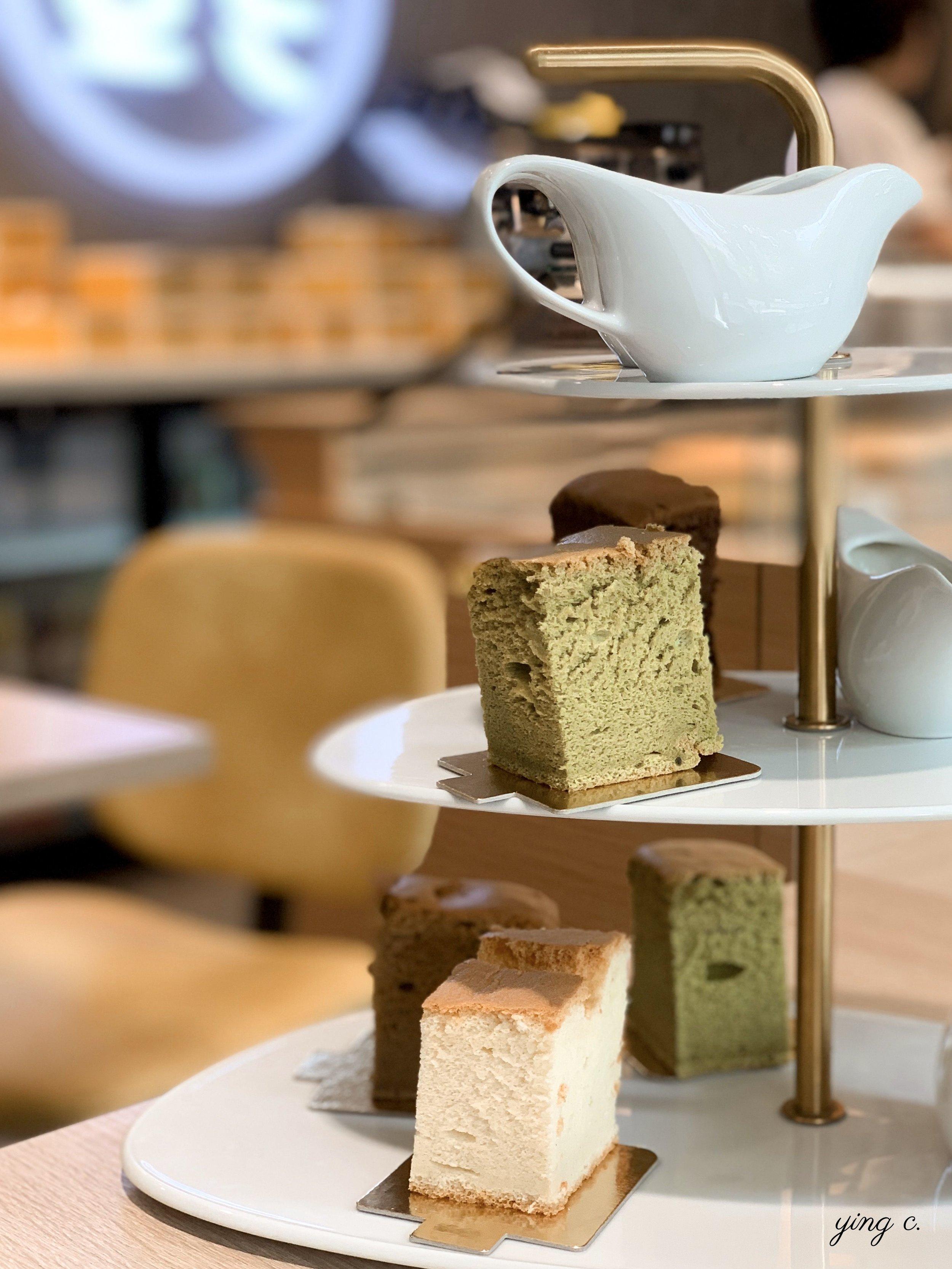 Fu Castella 下午茶時間的雙人套餐可以選擇五種口味的迷你蛋糕,加上兩杯飲料共16€。