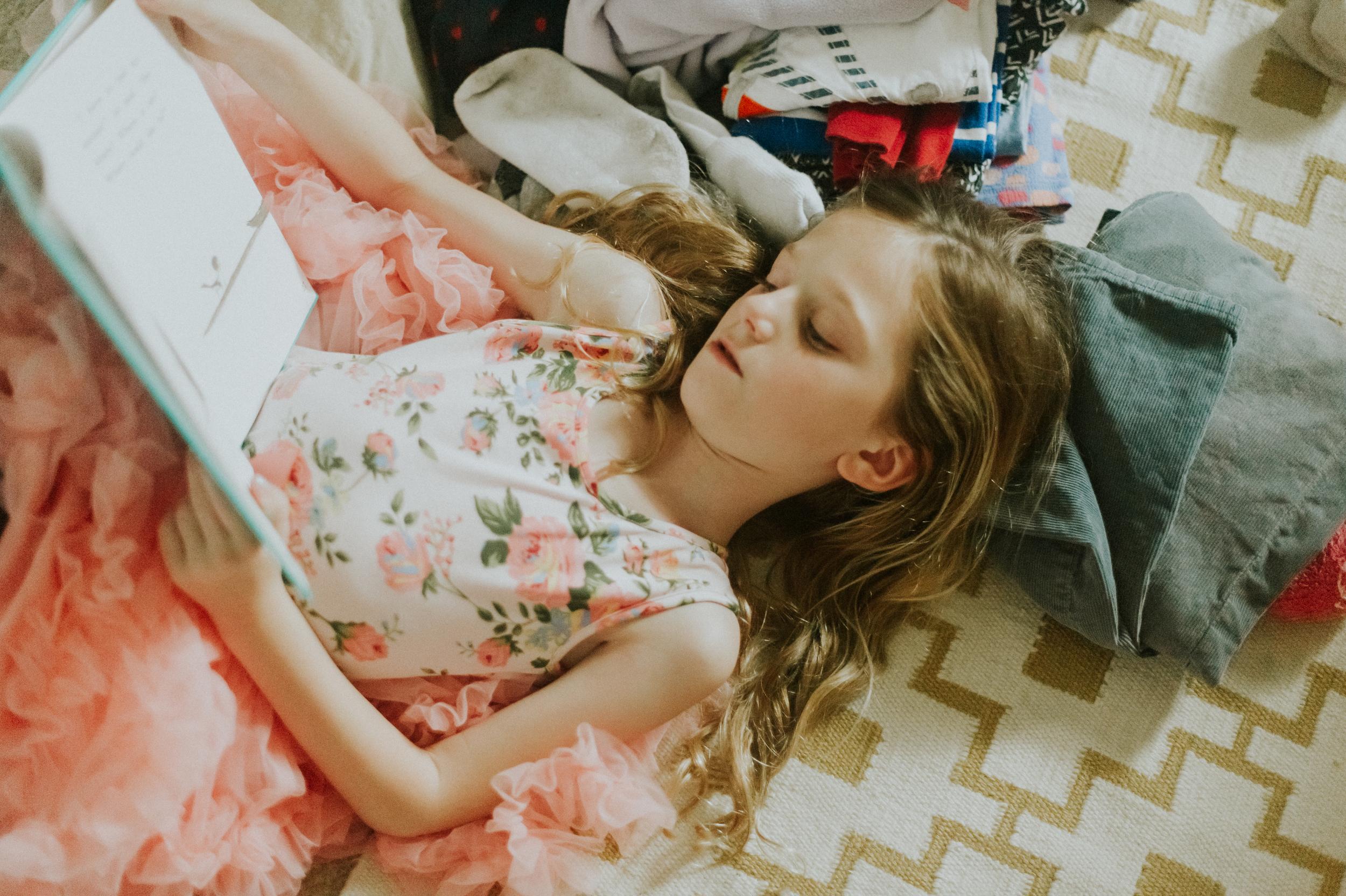 lily-reading-134.jpg