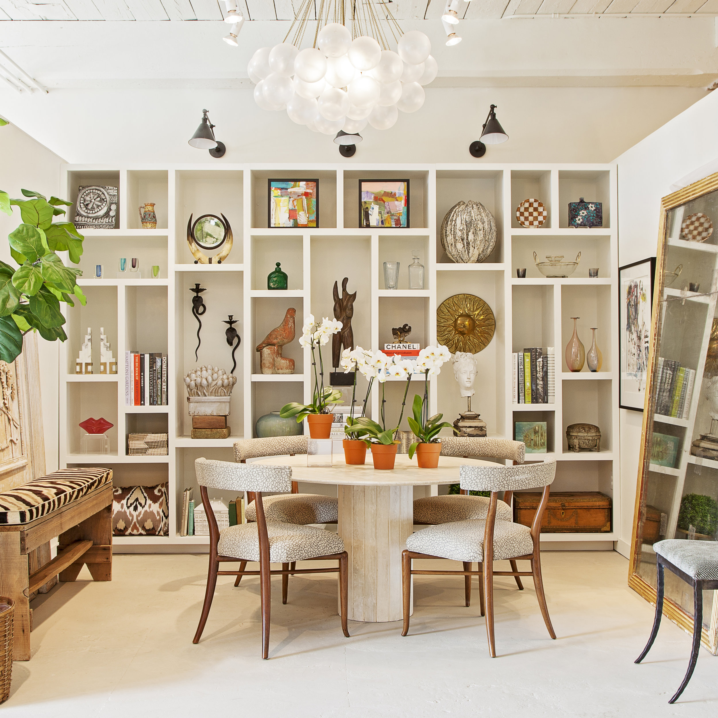 A one-of-a-kind design Charleston design collective, offering a curated selection of antiques, customer furniture, lighting, textiles and art.