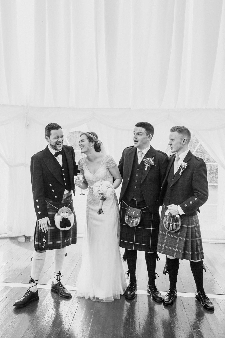031-wedding-family.jpg