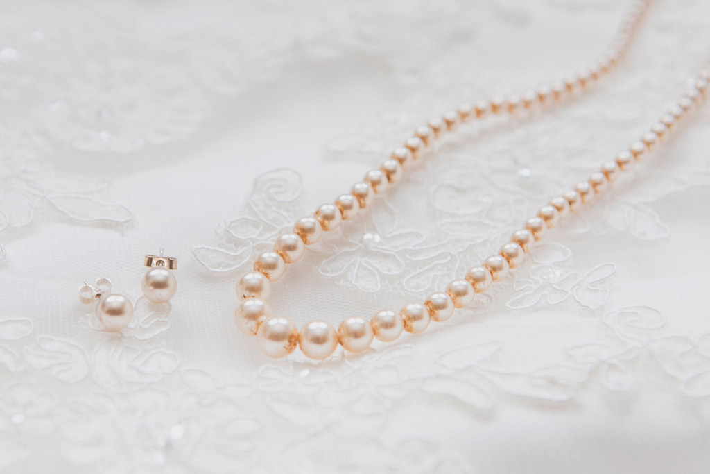 005-vintage-bride-jewellery.jpg