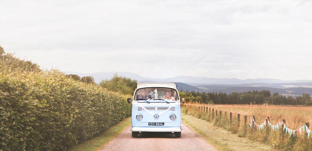 034-camper-van-wedding-rustic.jpg